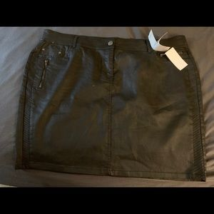 Dresses & Skirts - Short black pleather skirt plus size